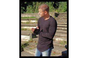 Wasabi strak en lang zwart shirt met lange mouw