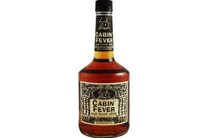 CABIN FEVER MAPLE INFUSED 1 Ltr 40%   Canadian likeur