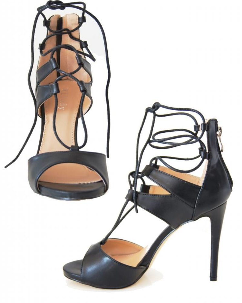 STATEMENT LACE UP HEELS