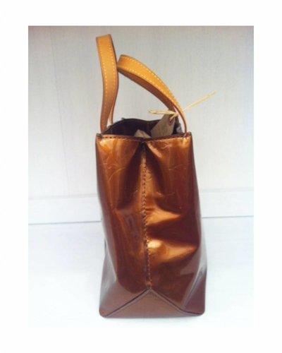 LOUIS VUITTON LOUIS VUITTON Leather Handbag