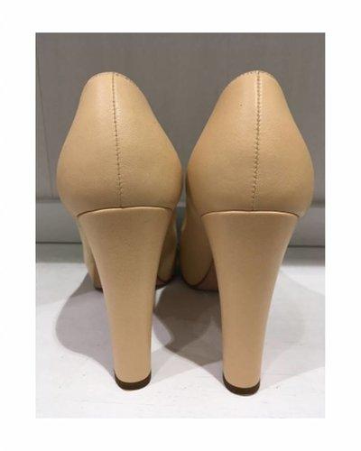 CHANEL CHANEL Pumps, heels