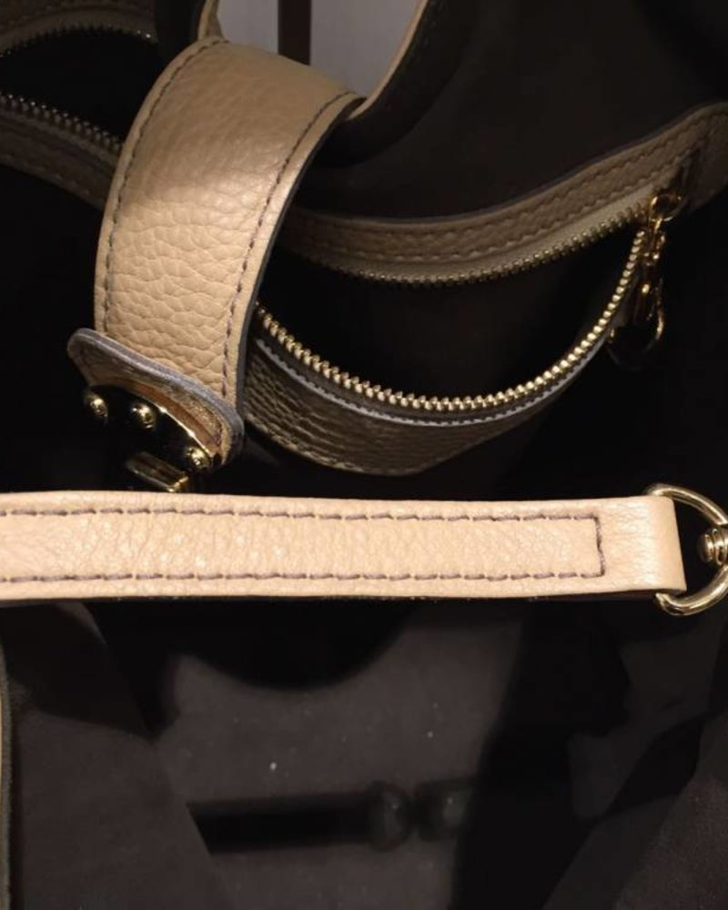 LOUIS VUITTON LOUIS VUITTON leather shoulder bag
