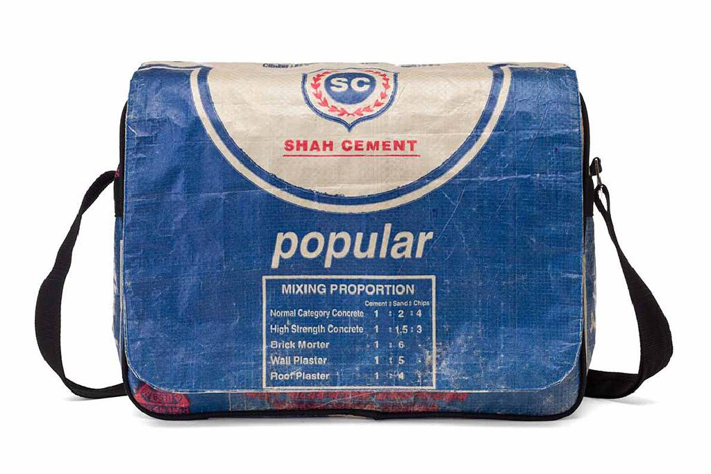Used2b CEMENT blue
