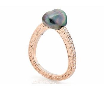 Rose gold baroque Tahitian pearl ring