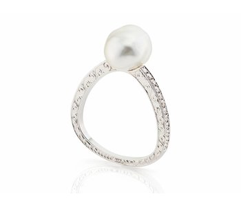 White gold baroque pearl ring