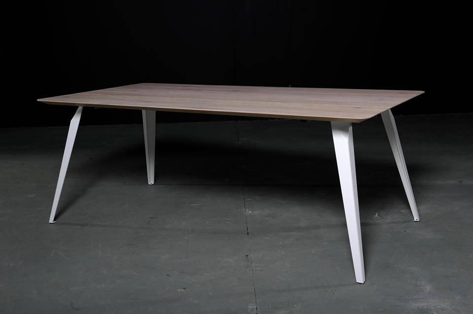 Eetkamertafel seuren design steyl for Design eetkamertafel