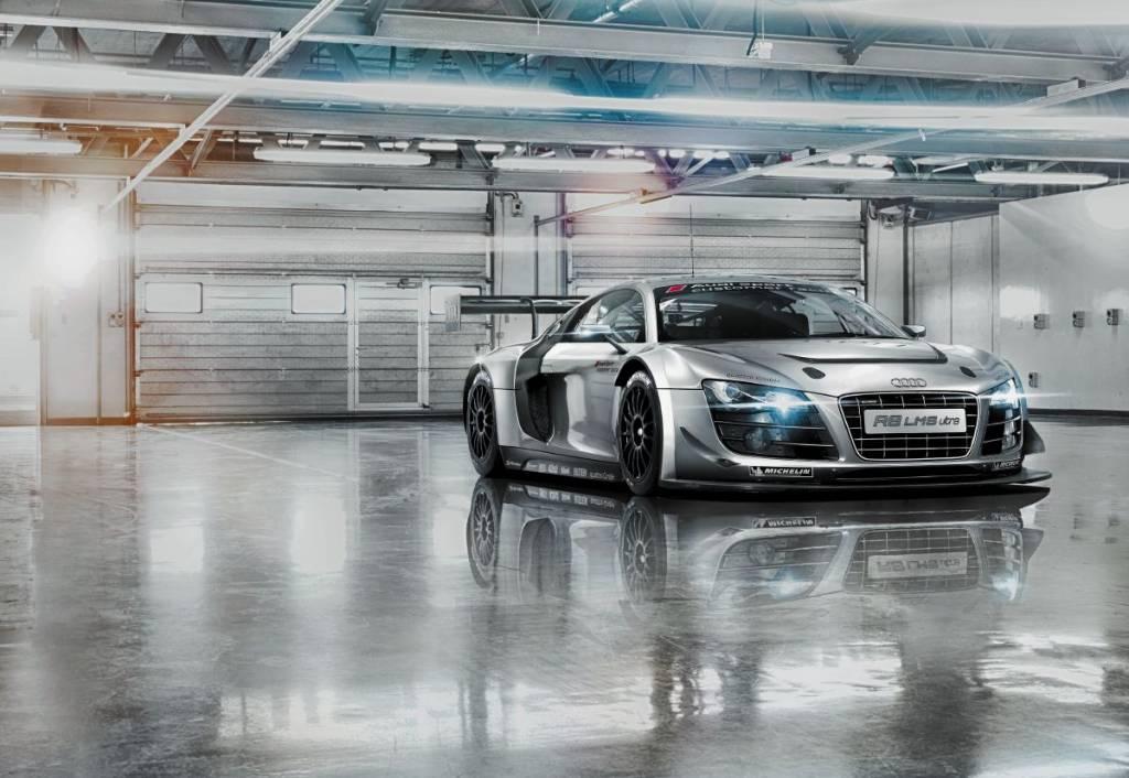 Fotobehang Komar Voertuigen Behang Audi R8 Le Mans Rap