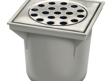 Bucket drains