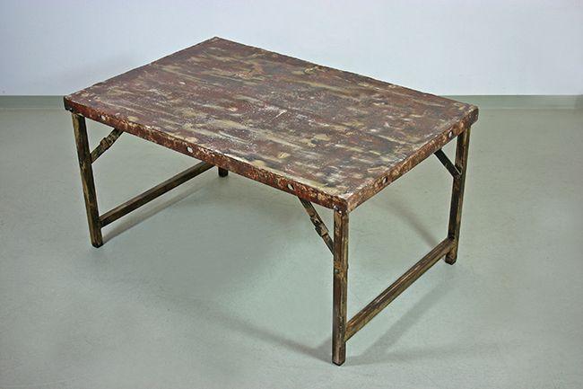 couchtisch aus metall im industriedesign. Black Bedroom Furniture Sets. Home Design Ideas
