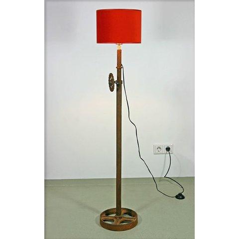 Stehlampe Tamalé, regulierbare Höhe