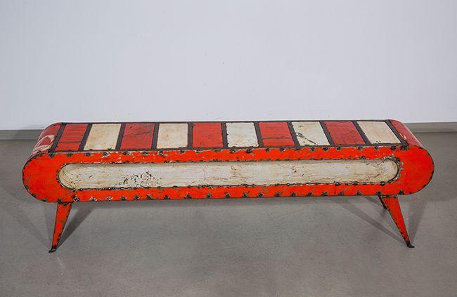 tv bank aus westafrika im industriedesign upcycelt aus alten lf ssern. Black Bedroom Furniture Sets. Home Design Ideas