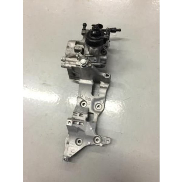 VAG Dieselpomp Hogedrukpomp Set 04L130755D 04L903143B