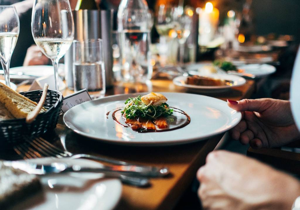 Sitting Dinner, uitgebreid tafelen