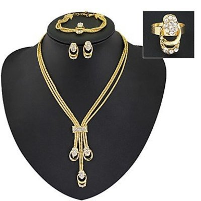 Elegante sieraden set goud kleur met Zirkonia