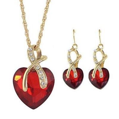 Ketting met hangertje oorbellen rood kristal hart vorm