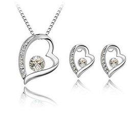 Ketting wit hart hangertje oorbellen in hart vorm zilver kleur