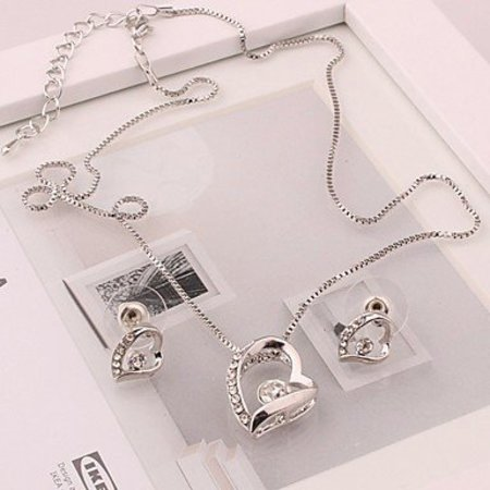 Ketting met hangertje oorbellen in hart vorm wit hart zilver kleur