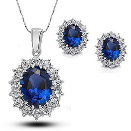 Mooie sieraden set Saffier edelstenen met kubieke Zirkonia wit met donker blauw