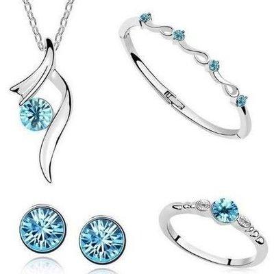 Sieraden set van zilver kleur,blauwe kristalen