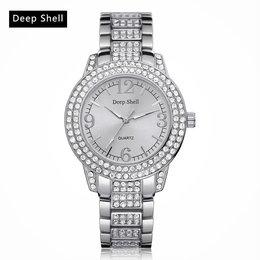 Dames horloge met ronde scherm zilver kleur kristalen diamant