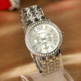 Trendy dames horloge model jurk in zilver met kristalen