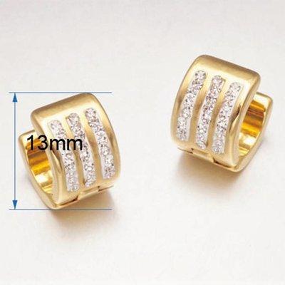 Oorringen goud kleur versierd met 3 rij kristallen RVS