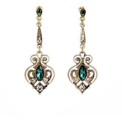 Goud kleur met groene hart oorbellen druppelvorm