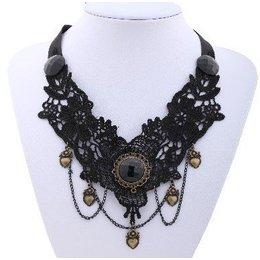 Handgemaakte Zwarte ketting met kralen Gothic