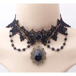 Handgemaakte Zwarte halsketting met zwarte kralen en roos