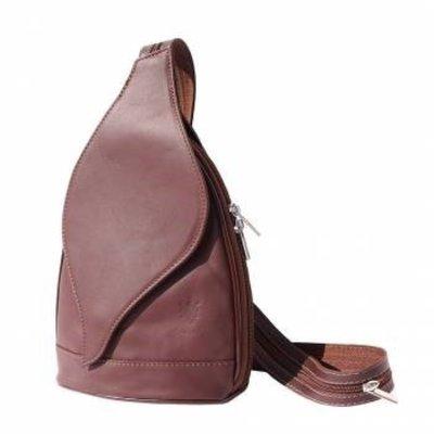 Kleine Rugzak tas, met mooie blad vorm flap in bruine kleur