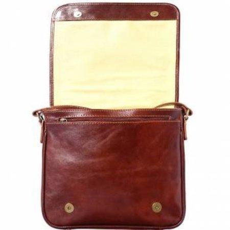 Leren Postbode aktetas, kleine laptop tas in  bruine kleur