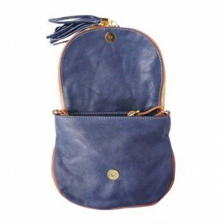 Donker blauwe cognac kleur zachte kalfsleer schoudertas met rits en magneetslot