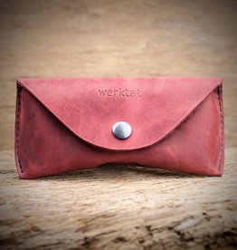 werktat Sichtschutz, the leather glasses case, red