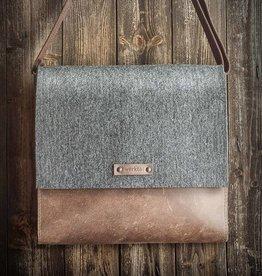 Werksbote Karl der Große in brown, messenger bag, felt and leather WT3533