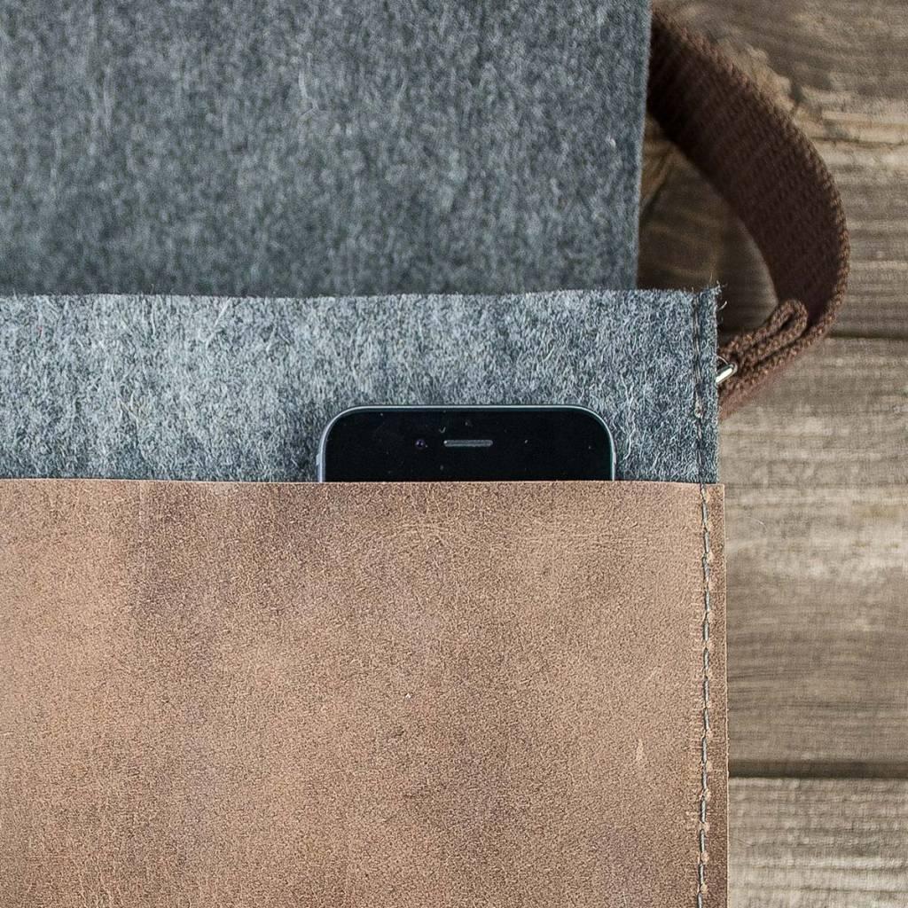 Messenger Bag, felt, leather brown, shoulder bag, tucker bag, Werksbote Max