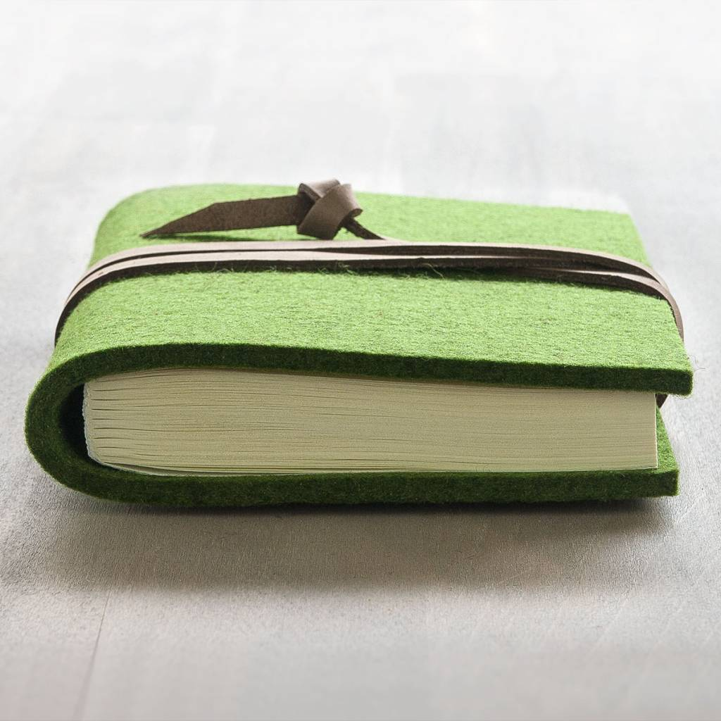 "werktat reciepe book felt notebook grass green, leather string  ""Blattwerk"""