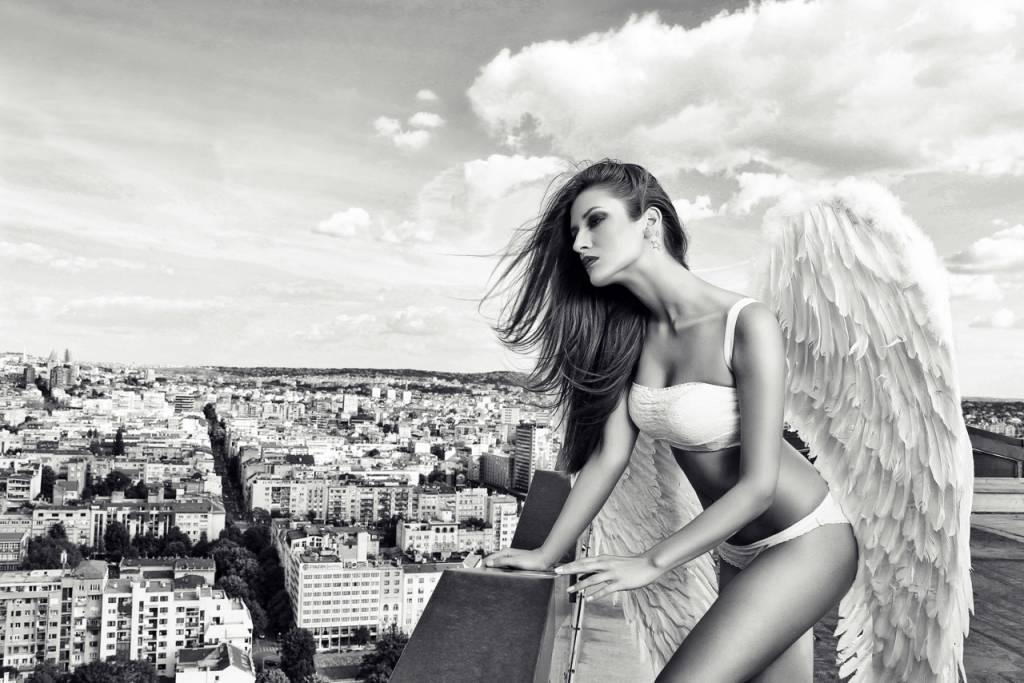 Umo Art Gallery Angel