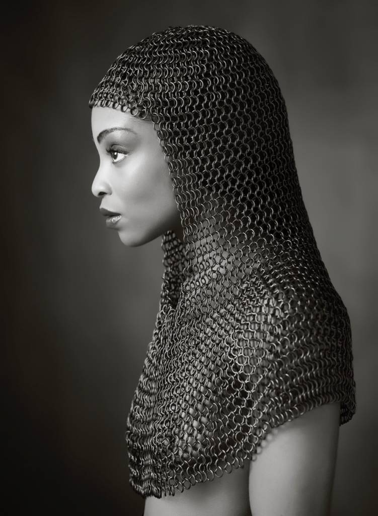 Umo Art Gallery Lady Chainmail