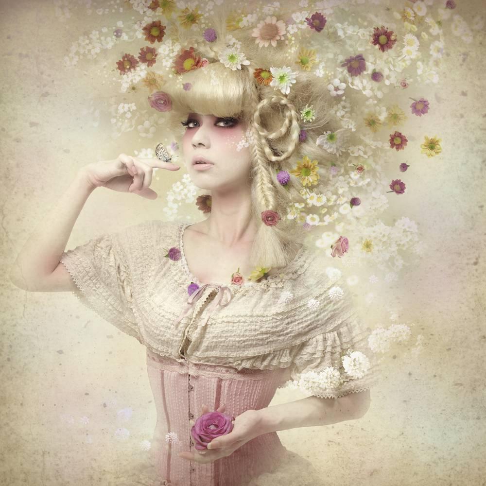 Umo Art Gallery Girl of the flower garden