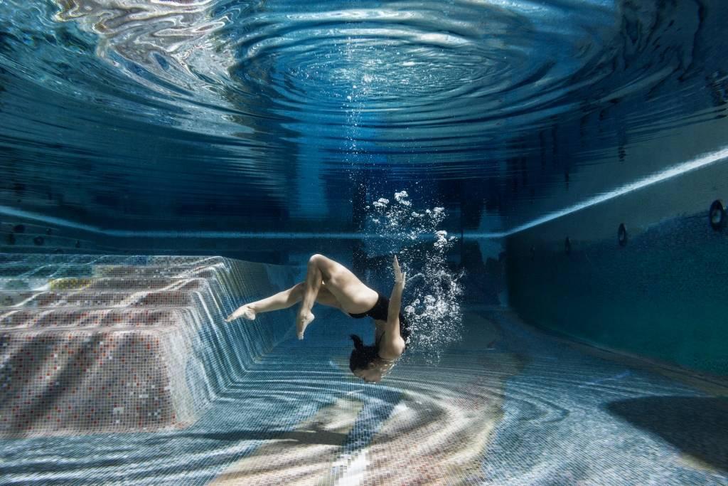 Umo Art Gallery Swimming Inside