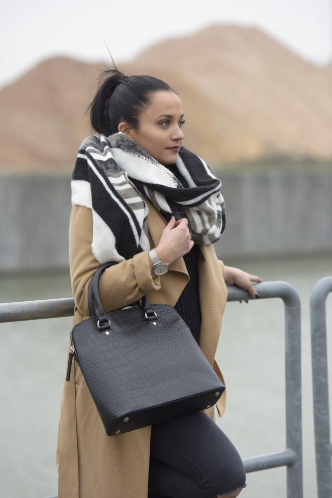 Lederhandtasche Liz im Kroko-Look