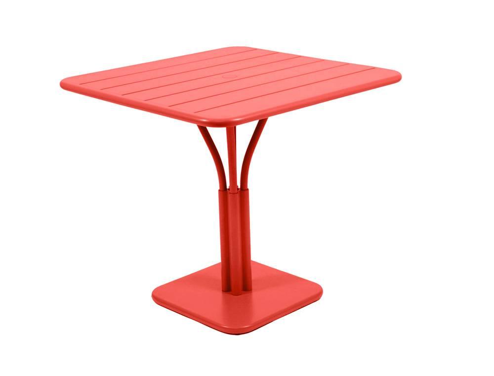 Square table luxembourg fermob haar van boven n zij van for Table 80 x 80