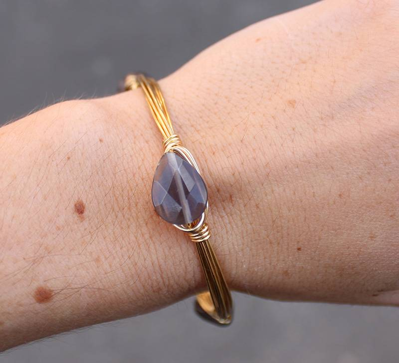 Boho Babes Grijze Gold Wired Bangle
