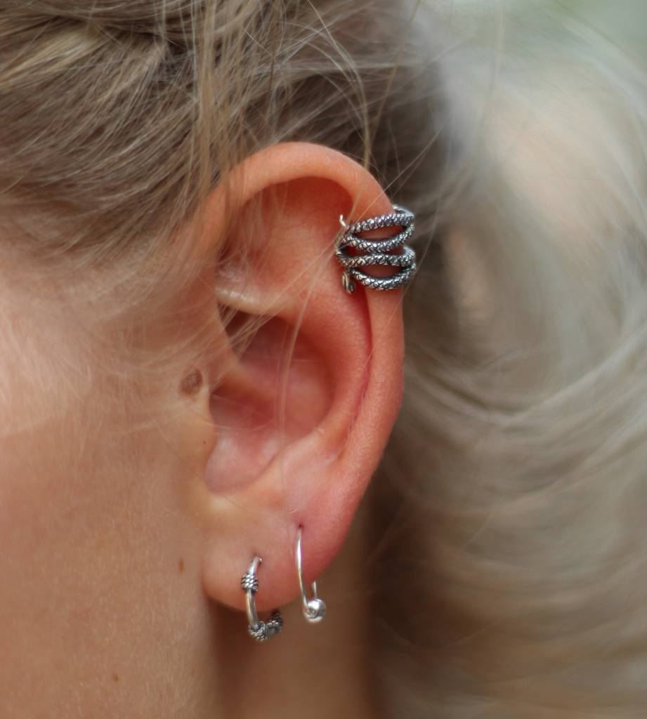 Midsummer Star Snake Ear Cuff