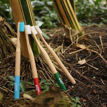 Zahnbürste mit Bambusgriff - Farbe rot