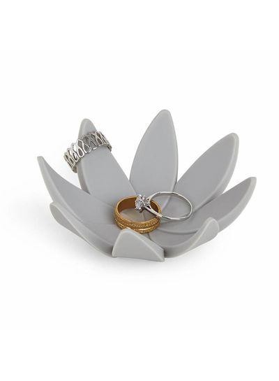 Lotus Grau