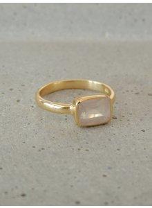 Adamarina Siren Pink quartz Ring