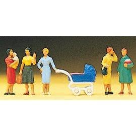 Preiser Group of women, 5 pieces kit, scale H0