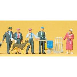 Preiser Duitse Postbezorgers, Set van 5 met hond en toebehoren, Schaal H0