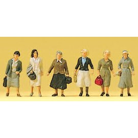 Preiser Female commuters on the way to the railway, 6 pieces kit, scale H0